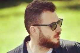 """أغنية لبنانية تتطاول على الكعبة.. وتهدد بفكّها ونقلها لـ""""حزب الله"""""""