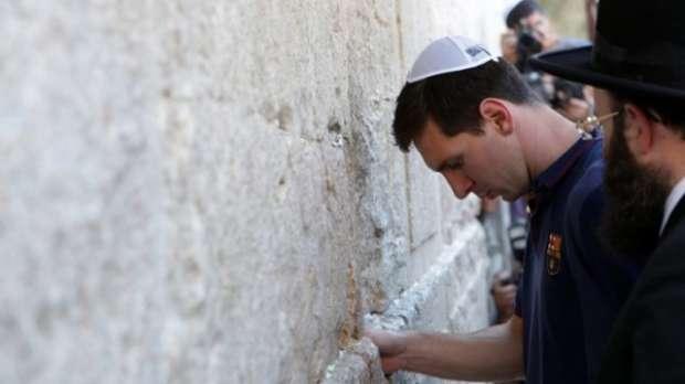 مشاهير عالميين زارو اسرائيل ومارسوا الطقوس اليهودية