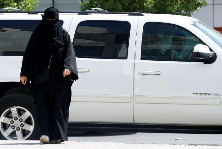 كويتية تنجو من الذبح في الأردن.. والدها: حجابها أعاق وصول السكين لرقبتها