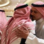 بالصور.. صلاح خاشقجي يقيم مجلس عزاء لوالده في جدة