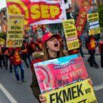 الآلاف يتظاهرون في اسطنبول احتجاجا على غلاء المعيشة