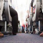 هل ينبغي للركاب البدناء دفع ثمن مقعدين بالطائرة؟