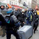 """أحكام على نحو ألفي شخص في فرنسا منذ بدء احتجاجات """"السترات الصفر"""""""