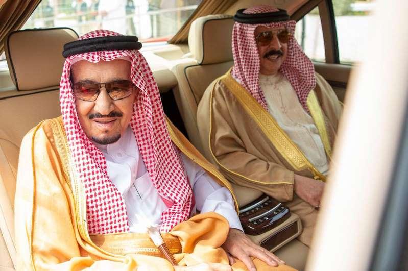 مأدبة غداء ملك البحرين لخادم الحرمين الشريفين