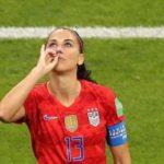 احتفال لاعبة أميركية ضد إنجلترا في المونديال يثير جدلا واسعا