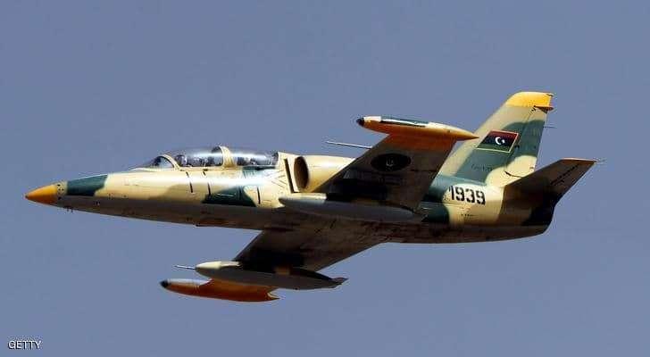 """بعد استهداف الحجاج.. الجيش الليبي يقصف قاعدة """"الدرون التركي"""""""