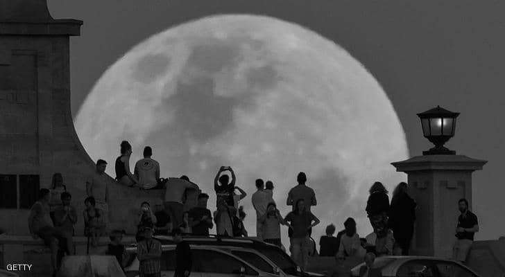القمر الأسود العظيم يظهر الليلة.. ما هو؟ وأين يمكنك رؤيته؟