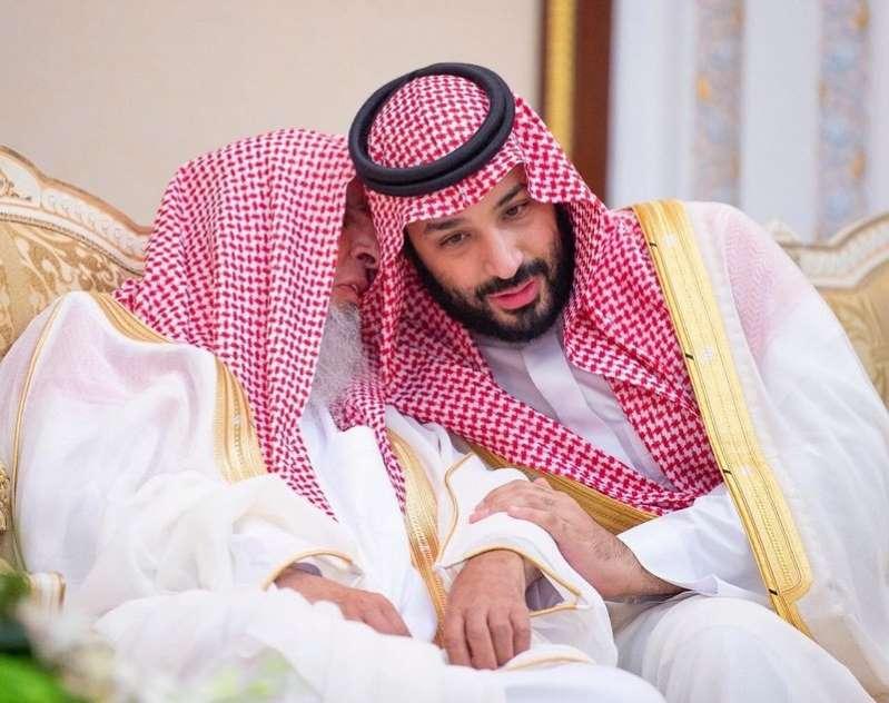 ولي العهد مع مفتي عام المملكة