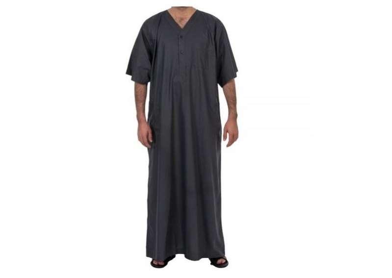 لائحة المحافظة على الذوق العام تحظر ارتداء ثياب النوم في الأماكن العامة