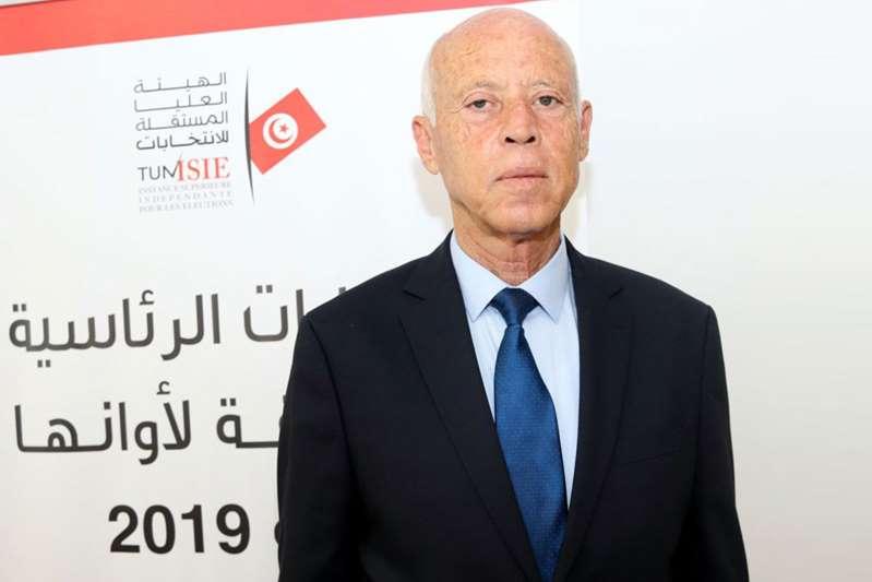 التلفزيون التونسي: فوز قيس سعيد بالرئاسة بنسبة 75%