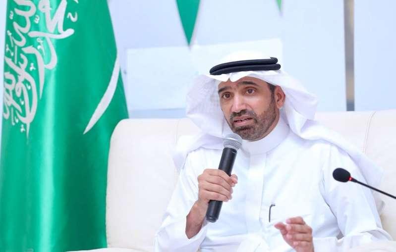 وزير «العمل» يصدر قرارًا بتوطين عدد من الأنشطة والمهن في منطقة حائل