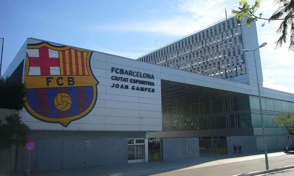 فضيحة جنسية داخل جدران برشلونة