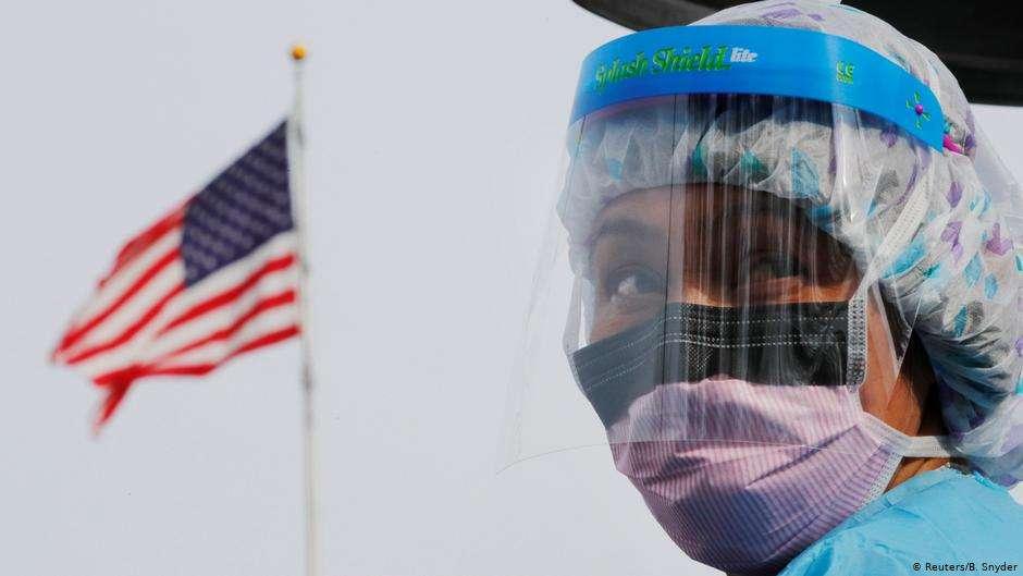 لماذا غدت الولايات المتحدة البؤرة الجديدة لكورونا عالمياً؟