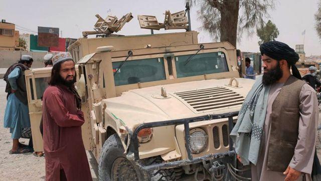 أفغانستان .. طالبان تواصل السيطرة على أجزاء البلاد ومن المنتظر أن تعلن تنصيب زعيمها أميراً للبلاد